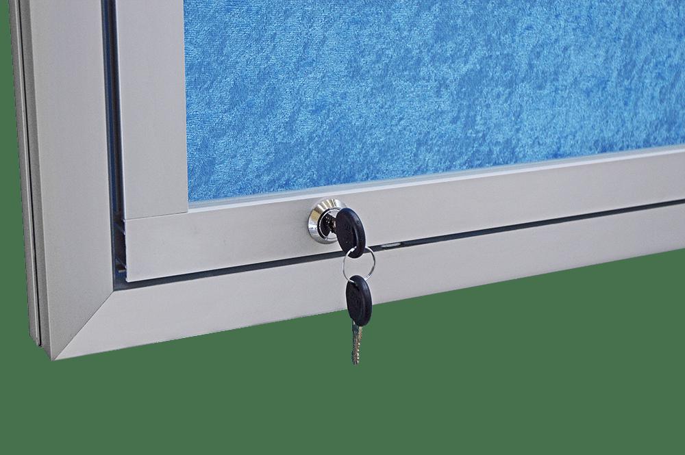 gablota ogloszeniowa otwierana do gory